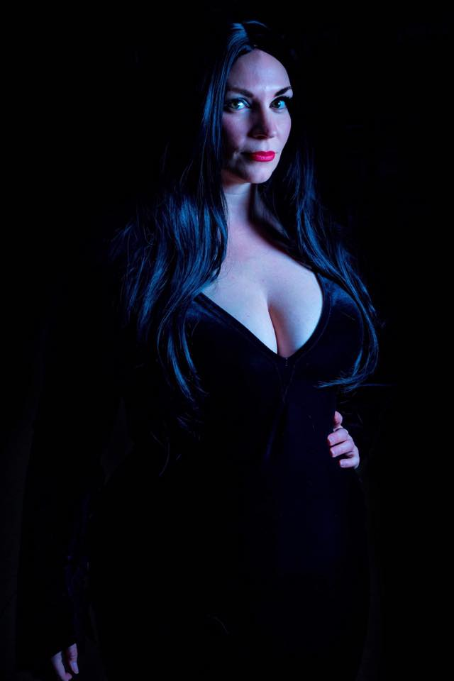 Morticia Addams Cosplay - The Addams Family